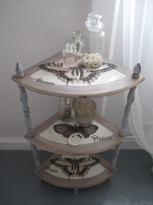 Shabby Chic Etagere Corner Shelf