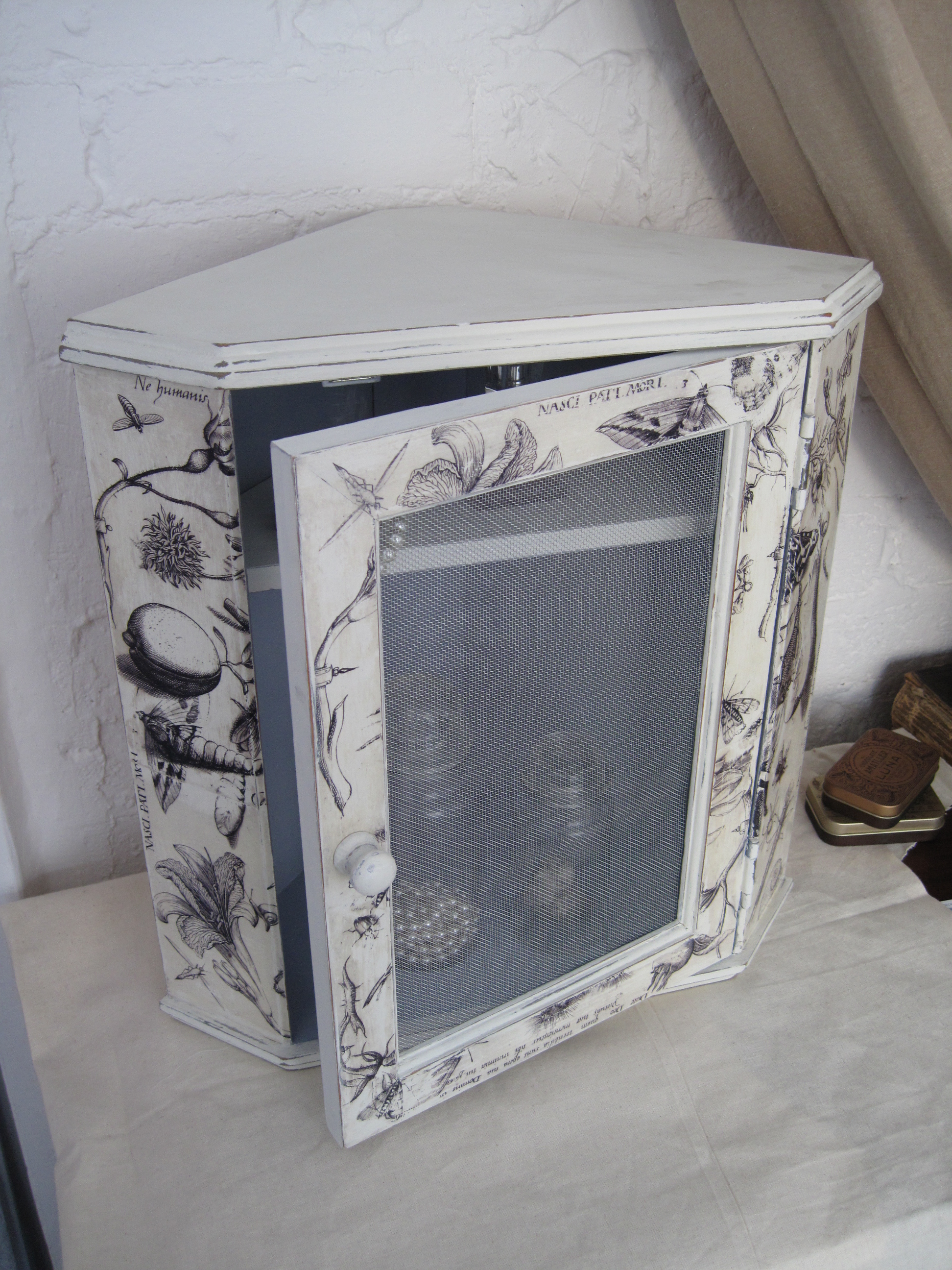 Shabby Chic Old Illustrations Triangle Armoire Shabby