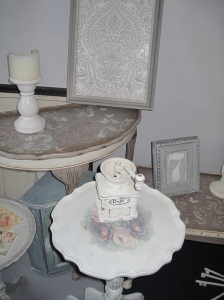 Cottage Roses Small Wine Table. Antique