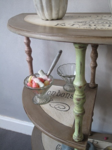 Shabby Sweets Boutique Etagere