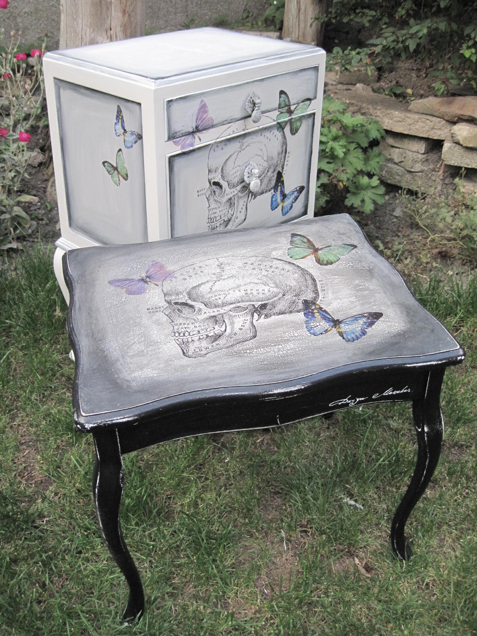 Black salvage skull coffee table shabby chiffonier salvage chic small coffee table geotapseo Gallery