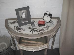 'Forme de Robe' Console Table