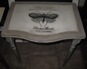Vintage Book motif Insect decorated Table