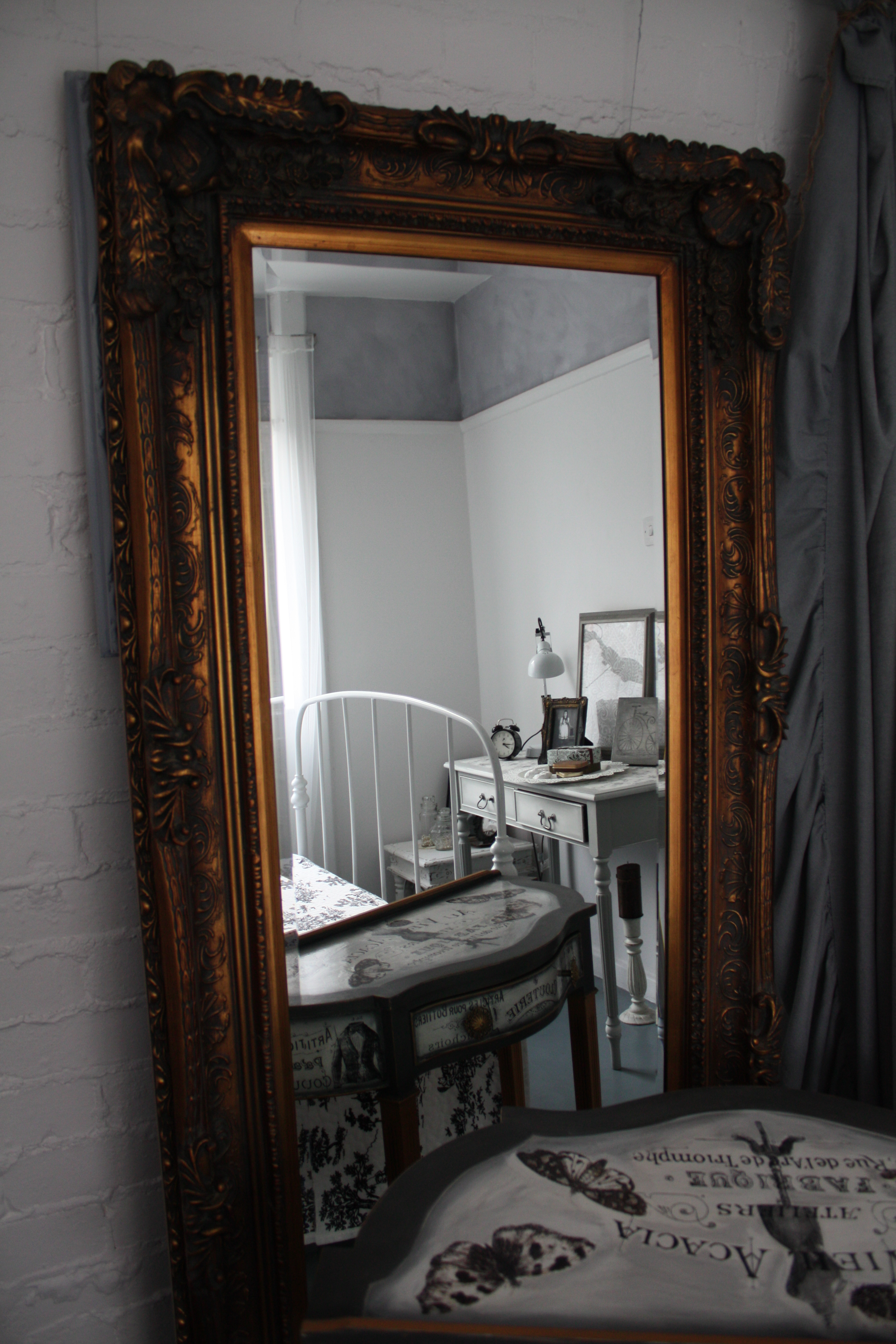 Antique Louis Style Large Mirror And Articles De Paris