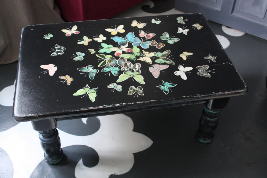 Butterflies Explosion coffee table